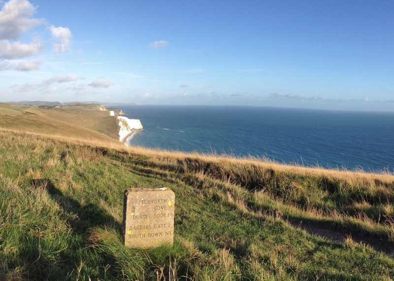 hiking trails along the Jurassic Coast from The Pink House to Lulworth Cove and Durdle Door